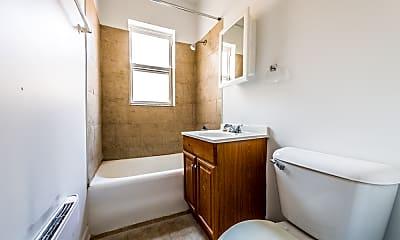 Bathroom, 4901 S Drexel Boulevard, 2