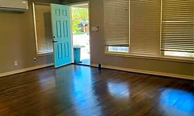 Living Room, 3641 Lafayette Ave, 1