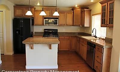 Kitchen, 4971 E Geranium St, 1