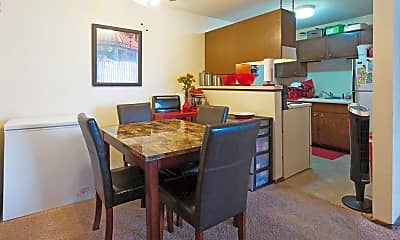 Dining Room, Highland Park Apartments, 1
