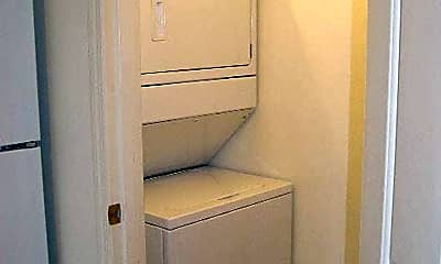 Bathroom, 4020 Byron Ave, 2