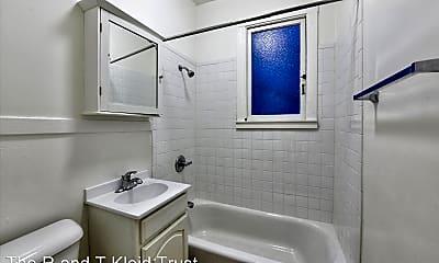 Bathroom, 845 O'Farrell St, 2