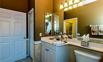 Bathroom, 3500 Mondovi Ct 122, 2