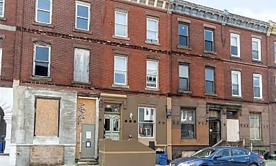 Building, 1922 W Diamond St, 1