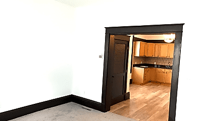 Bedroom, 1335 Franklin Ave, 2