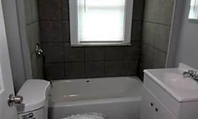 Bathroom, 5529 Nottingham Rd, 2