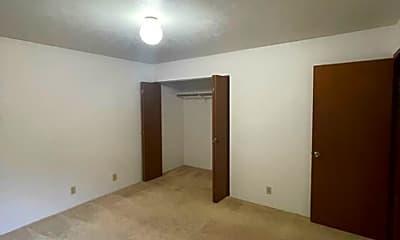 Bedroom, 760 S Alu Rd, 1