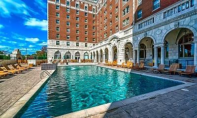 Pool, 232 N Kingshighway Blvd 2201, 2