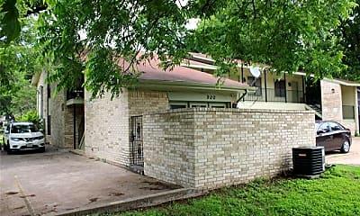 Building, 900 N Austin St, 1
