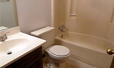 Bathroom, 2815 Llewellyn Ave 2, 2