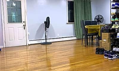 Living Room, 165-01 Highland Ave, 0