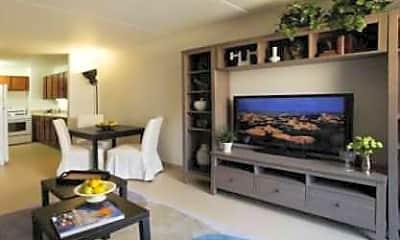 Arverne Apartments, 1