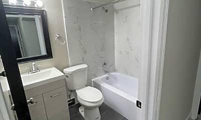Bathroom, 10820 Big Bend Rd, 1