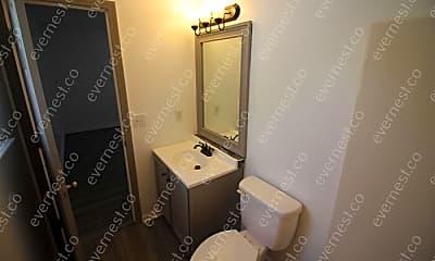 Bathroom, 1541 Luton St, 2