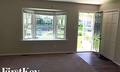 Living Room, 15413 Cherry St, 1