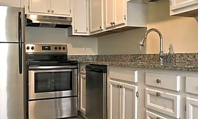 Kitchen, 400 New River Rd, 1