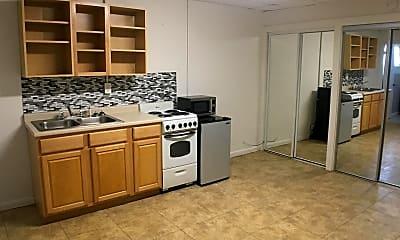 Kitchen, 415 Wilson St, 2