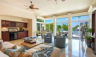Living Room, 655 Galleon Dr, 1