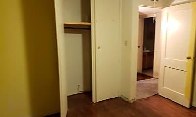 Bathroom, 1514 N Adams St, 2