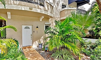 261 Navarre Ave A-2, 1