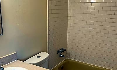 Bathroom, 8430 NW 40th St, 2