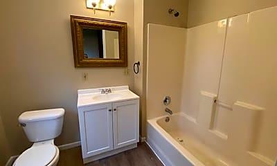 Bathroom, 584 Schiller Ave, 2