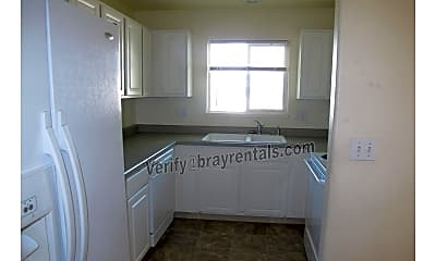 Kitchen, 2863 Elm Ave C, 1