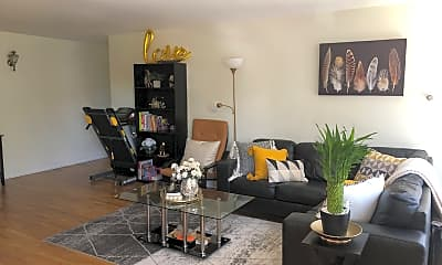 Living Room, 1333 W Touhy Ave 203, 1