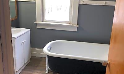Bathroom, 112 Argyle St, 2
