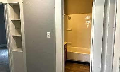 Bathroom, 1035 E 140th St, 2