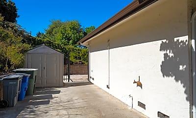 Building, 1467 Sandelin Ave, 1
