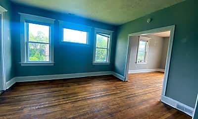 Living Room, 528 Park Ave, 2