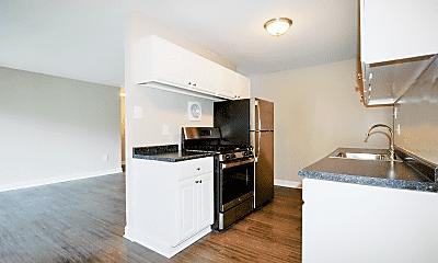 Kitchen, 404 Rivertowne Apartment Homes, 0