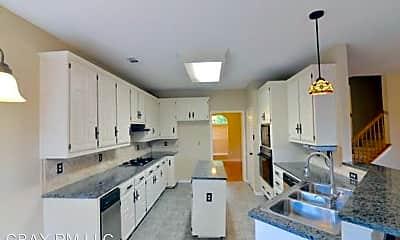 Building, 518 Fairway Meadows Dr, 2