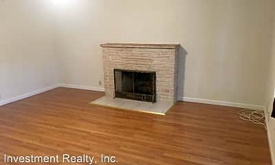 Living Room, 21524 Hasty Dr, 1