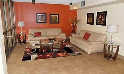 Living Room, 2731 Taft St 102, 2