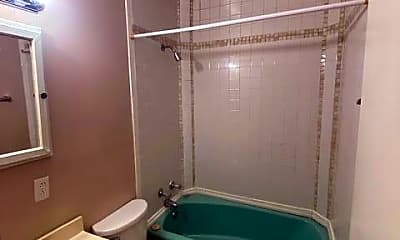 Bathroom, 310 W Maple St 2, 2