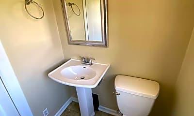 Bathroom, 515 Riverside Ave, 2