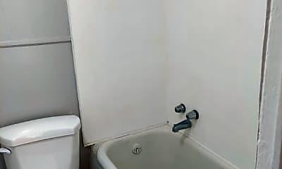 Bathroom, 520 Dexter St W, 0