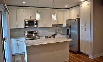 Kitchen, 3330 Berwyn Ave 118, 1