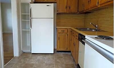 Kitchen, 6601 Broadway, 2