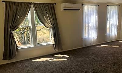 Living Room, 1352 Waller St SE, 1