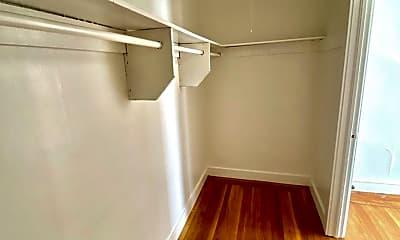 Living Room, 3035 Gough St, 1