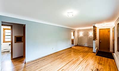 Living Room, 675 Koehler Rd, 1