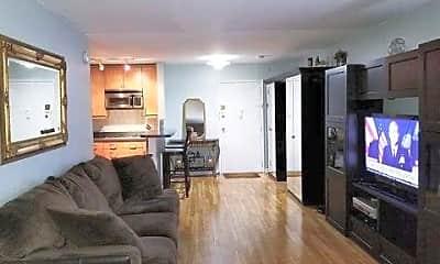 Living Room, 133 33rd St, 1
