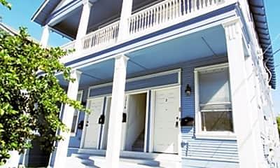 Building, 1716 N Olive St 3, 1