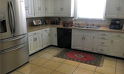 Kitchen, 150 Meadow Ln, 1