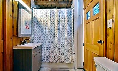 Bathroom, 184 Grove St, 2