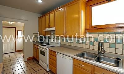 Kitchen, 632 Downington Ave S, 1