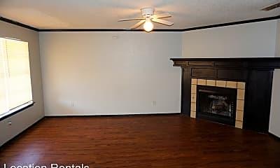 Living Room, 7405 Waco Ave, 1